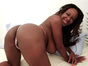 MILF Black Ass Porn Pictures
